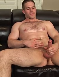 Muscle Hunk Brian (Sean Cody)