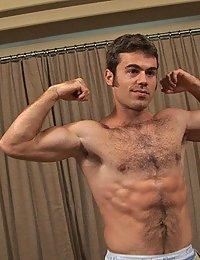 Hairy Hunk Ian (Sean Cody)
