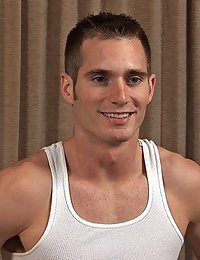 Straight Hunk Riley (Sean Cody)
