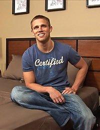 Darin Jerks Off (Sean Cody)