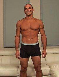 Muscle Hunk Emilio (Sean Cody)
