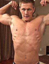 Muscle Hunk Mac (Sean Cody)