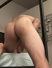 Owen (Sean Cody)
